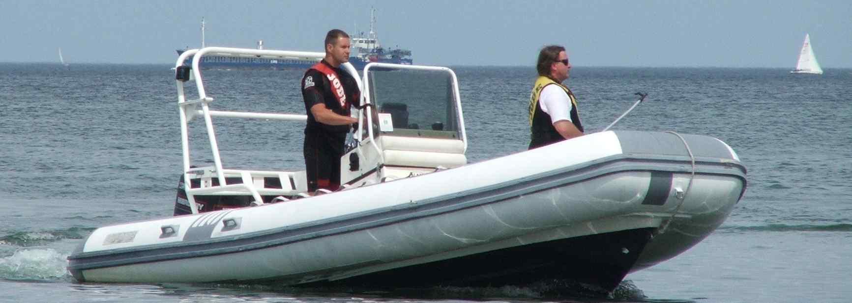 Buchen Sie unser Motorboot für eine Ausfahrt